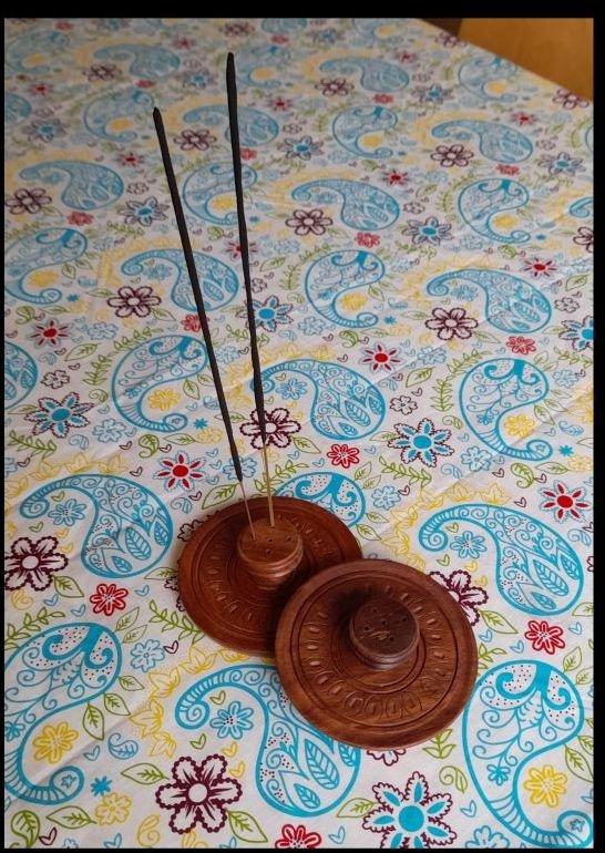 Round Wooden holder, 10cm