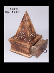 Wooden cone hut w/drawer 10cm