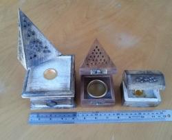 Wooden cone hut w/drawer 10cm