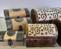 Wooden chest set white w/heart