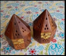 Wooden Hexagon w/lid for cones